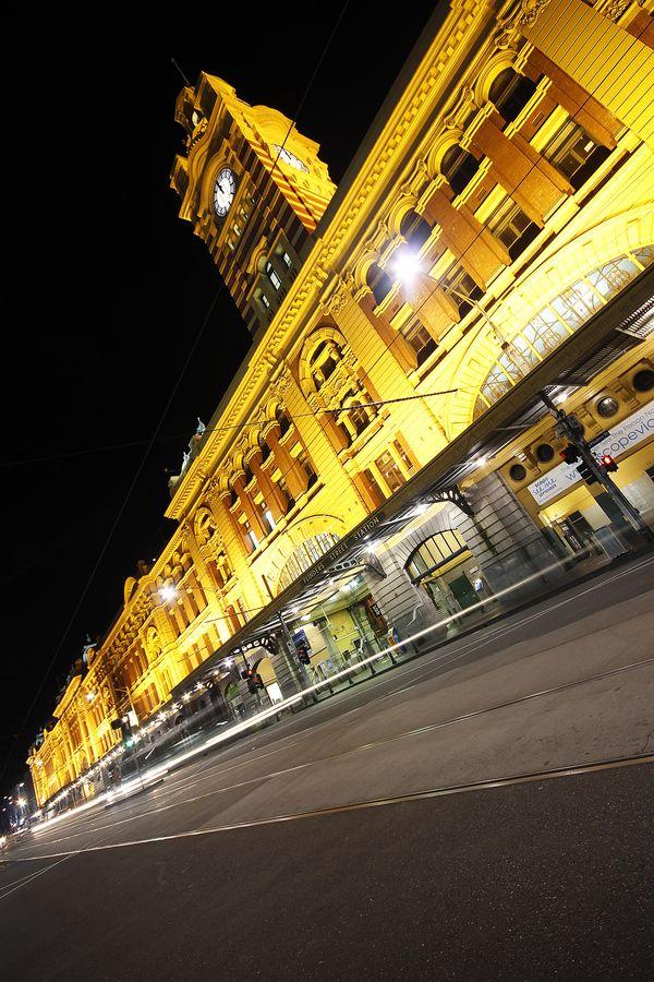 Flinders Street Station, Melbourne http://www.huno.com.au/hotels/melbourne-2158177