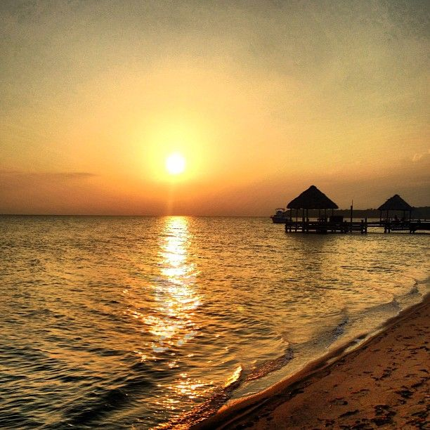 Belize on the cheap is as good as luxury travel to Belize. Follow this guide to San Ignacio, Caye Caulker and Placencia to enjoy the best of Belize.