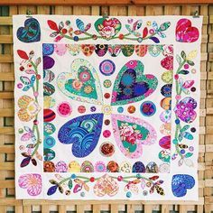 At Come & Do yesterday Jan got her first border sewn on & we are so so happy - it's looking good!! #handmadewithlove #patchworkquilt #quilt #applique #kaffefassett #medallionquilt #patchworkfun #happy #colourful #love #bright #hearts #thepatchworkpear #patchworkpear #portlincoln #comeanddo