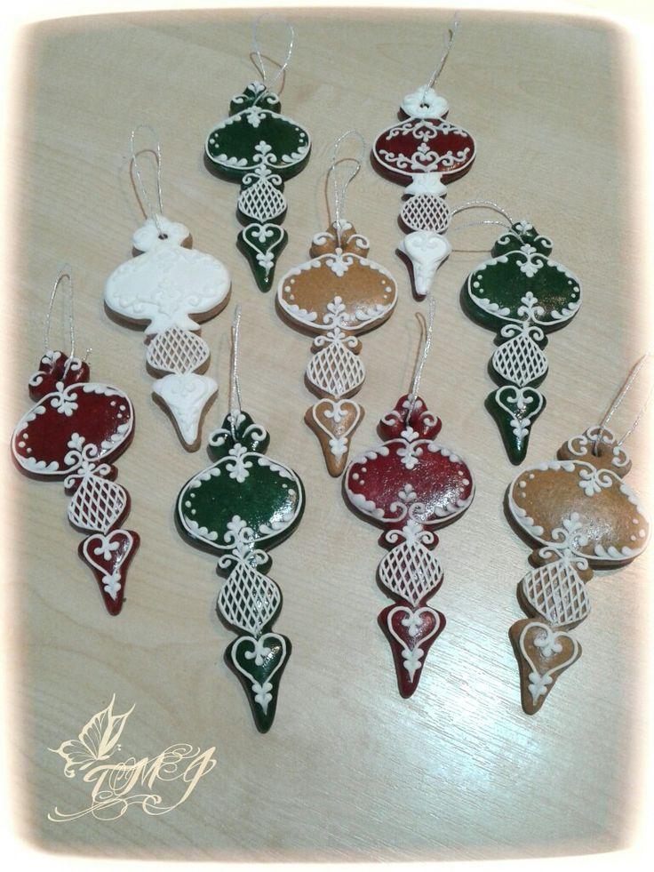 Mézeskalács karácsonyfadíszek by TMJcreative. /Gingerbread cookie christmas ornaments by TMJcreative.