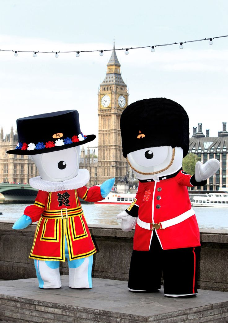 Wenlock and Mandeville celebrate one year to go in British style!