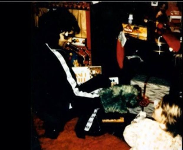 31 Best Images About Elvis Christmas On Pinterest The