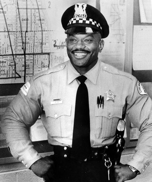 A retired Chicago police officer who was the only bodybuilder to beat Arnold Schwarzenegger in the Mr. Olympia comptetition died Monday, officials and a friend said. Retired Officer Sergio Oliva, 71