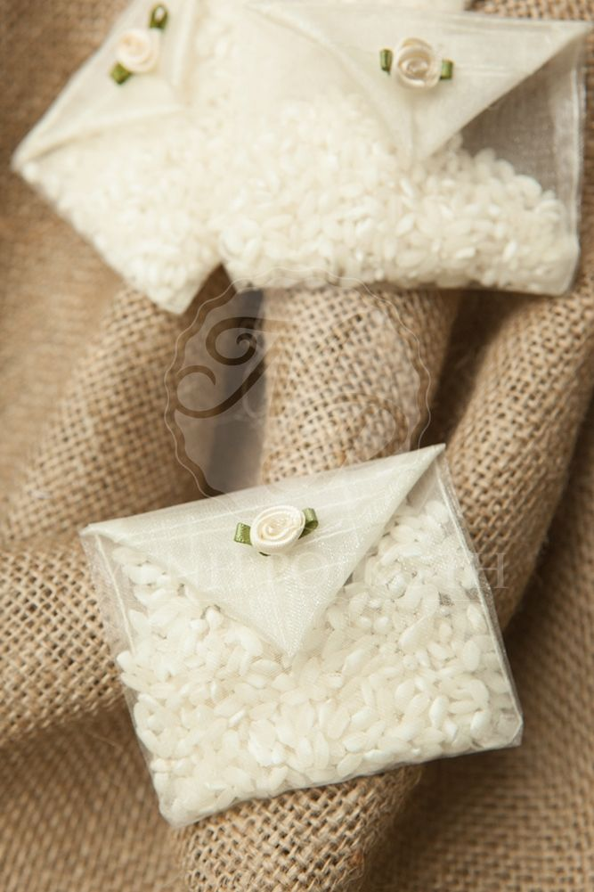 Organza rice envelope with rococo flower #weddingrice #weddingaccessories #greekwedding