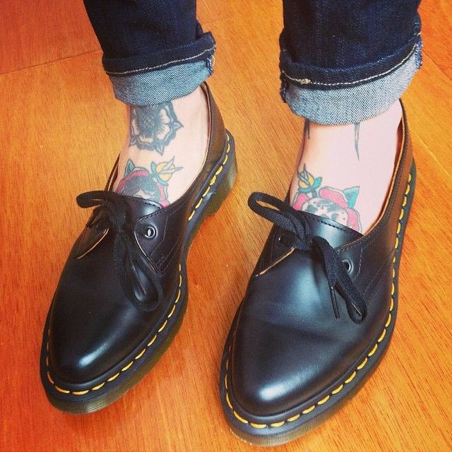 Dr. Martens Siano Shoe in smooth black leather.