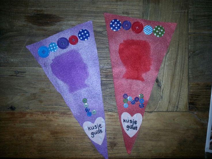 Vlaggetjes voor de juffen van guus van het kinderdagverblijf, ter ere van 'Leidsterdag'