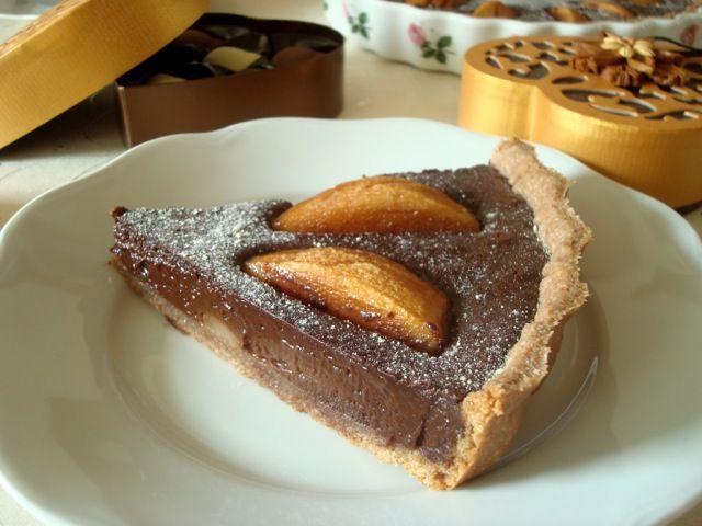 Hruškový koláč s čokoládovým custardem ve skořicovém těstě