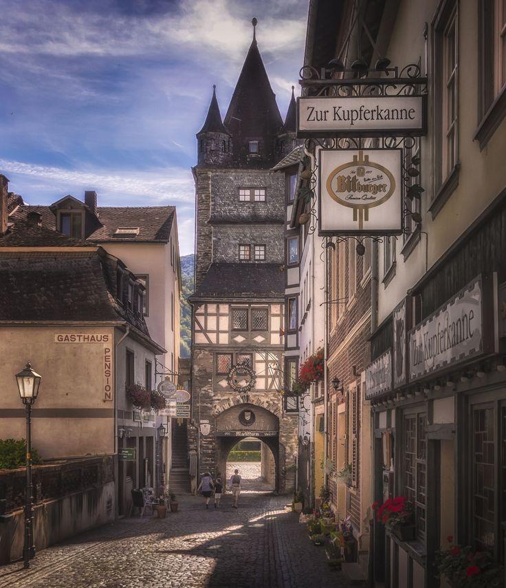 Martturm - The gate tower Marktturm in Bacharach, Germany.
