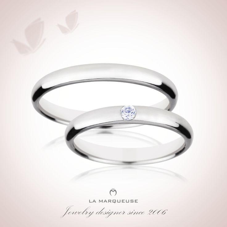 Obrączki wykonane z platyny. Damska została ozdobiona brylantem:) Kolekcja:Obrączki Platynowe La Marqueuse..: #obraczki #bizuteria #jewerly #wedding #slub #LaMarqueuse :..