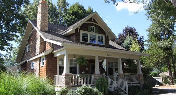 One of my favorite craftsman bungalow homes/floor plans...especially if building in a historic district or neighborhood