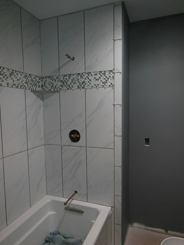 Best 25 tile tub surround ideas on pinterest how to for Bathroom looks