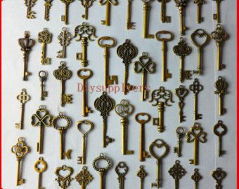 50pcs big vintage crown keys antique skeleton keys pendant heart Wedding decorations,wedding favors, Christmas tree decorations