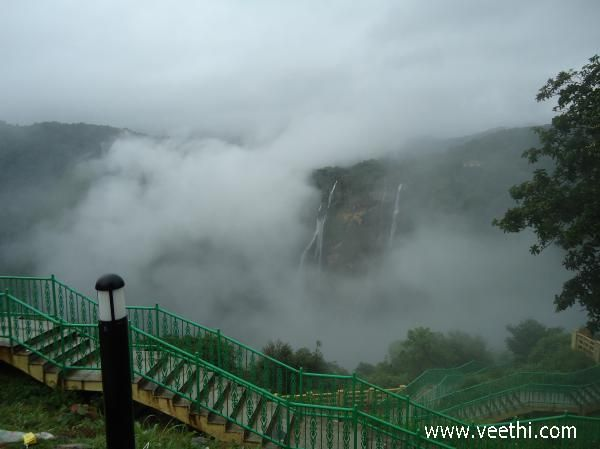 Beautiful scene of jog falls | Veethi