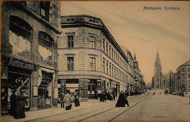 Kristiania Christiania Akersgaden brukt 1907 Folk og butikk, Martinus Lördahl.