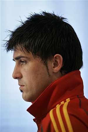 David Villa Faux Hawk Hairstyle ~ Brand New Hair Styles | Curly Cut | Latest Hair Cut 2011 | Cool and Short | Fashion Tips