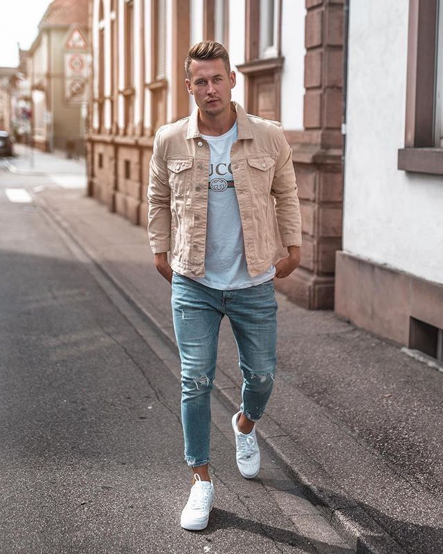 1e6f9a546d6 casual streetstyle with a tan trucker jacket gucci t-shirt light wash  ripped denim and white sneakers  fallfashion  falloutfits  menswear   menstyle ...
