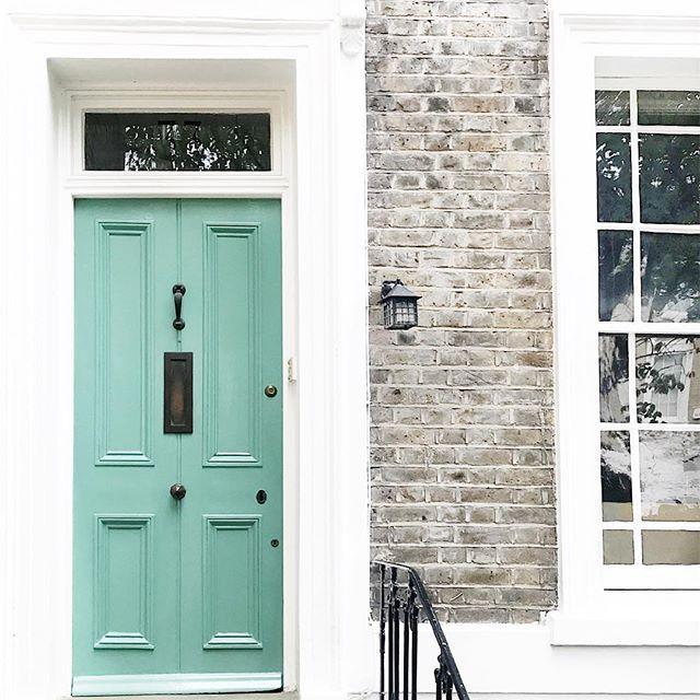 London  domingo em casa {essa não é minha porta, mas bem que poderia ser né?} Vic Ceridono | Dia de Beauté