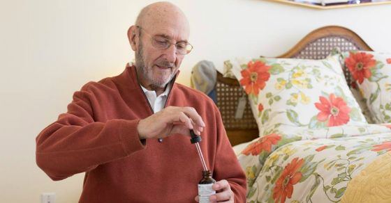 Elderly Man with Terminal Cancer Walks Out of Hospice after Treatment with Cannabis Oil