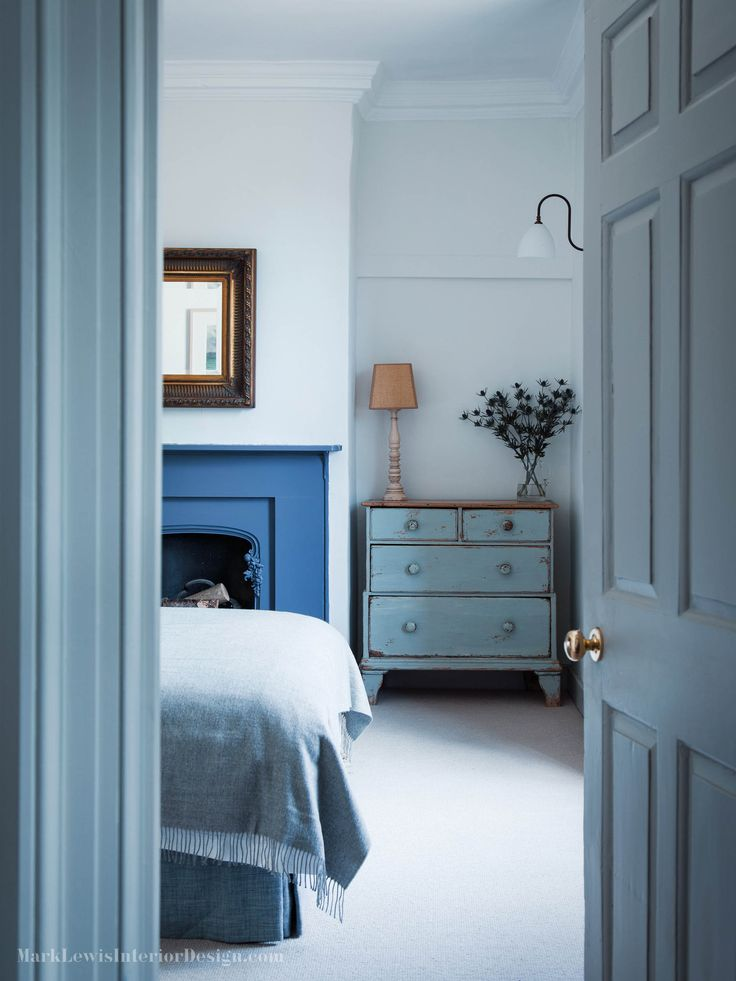 Bedroom With Blue Fireplace In Dorset House By Mark Lewis Photo Rory Gardiner