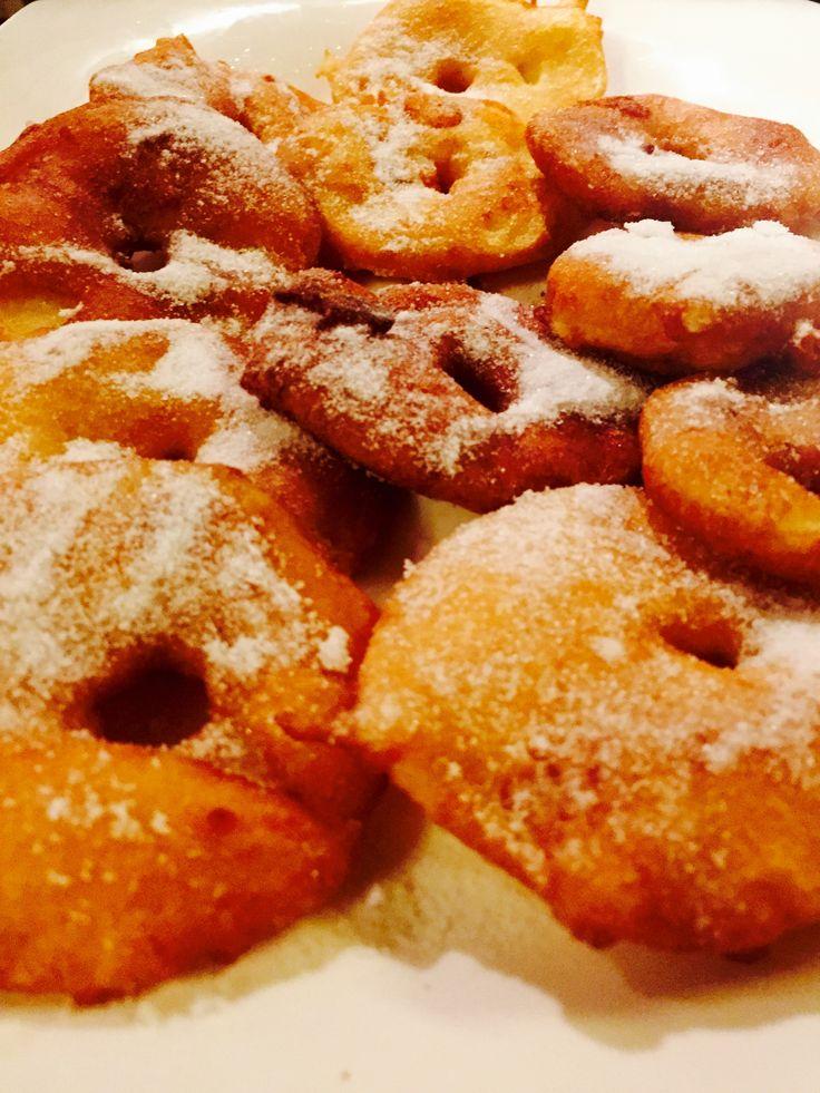 Frittelle di mele alla cannella -   Cinnamon apple fritters