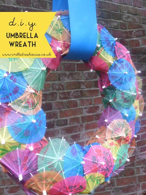 DIY cocktail umbrella wreath by In the Treehouse
