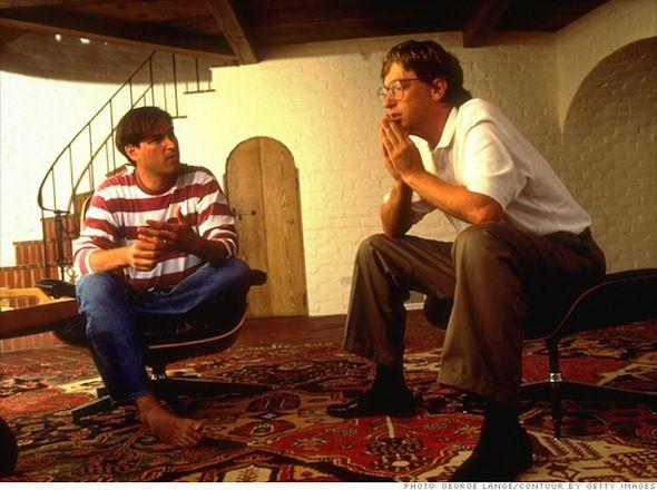 Un Emocionado Bill Gates Rinde Homenaje a Steve Jobs