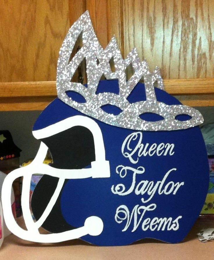 Homecoming car signs queen