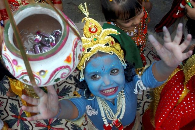 Rasa lila and Dahi Handi are the major attractions of Krishna Janmashtami festival, which is celebrated on 5 September.