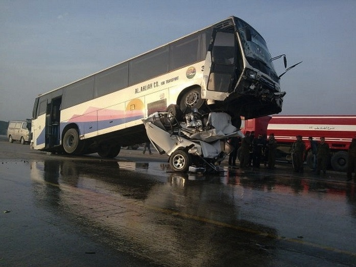 Fatal accident in syria, But at the top of pick up truck