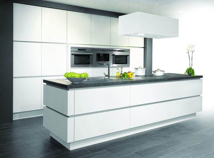 25 beste idee n over zwart witte keukens op pinterest mooie keuken donkere tellers en zwarte - Witte keuken voorzien van gelakt ...