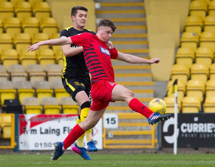 Queen's Park's Cammy Foy in action during the Ladbrokes League One game between Livingston and Queen's Park.
