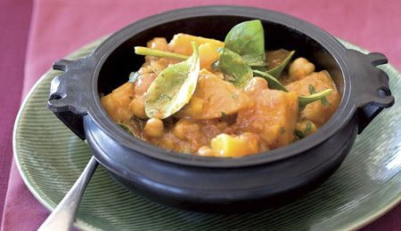 Chickpea, butternut and baby spinach curry