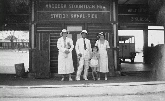 Jalur Mati Kereta Api di Tanah Madura  http://blog.yoshikanji.web.id/2015/11/jalur-mati-kereta-api-di-tanah-madura.html