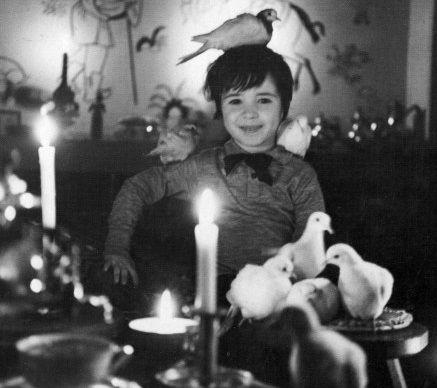 Paris - L'enfant à la colombe, Robert Doisneau