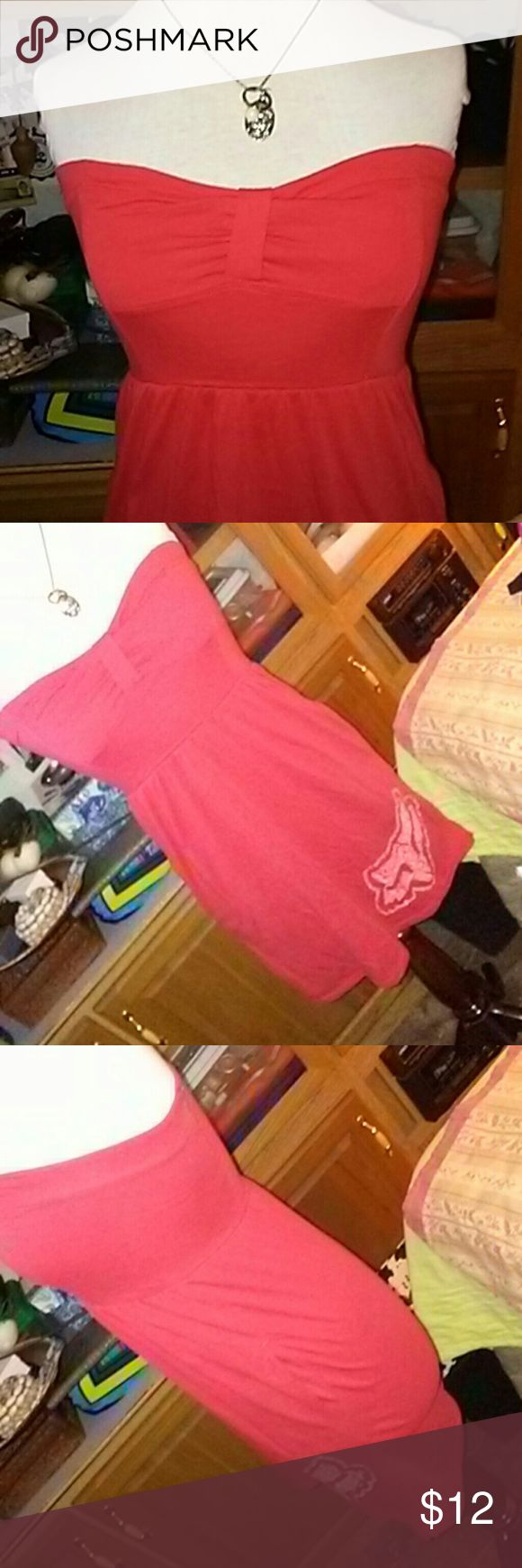 Fox mini Cute! Orange mini dress with bow detail on chest and Fox logo on hem. I wore as a tunic with leggings. Fox Dresses Mini
