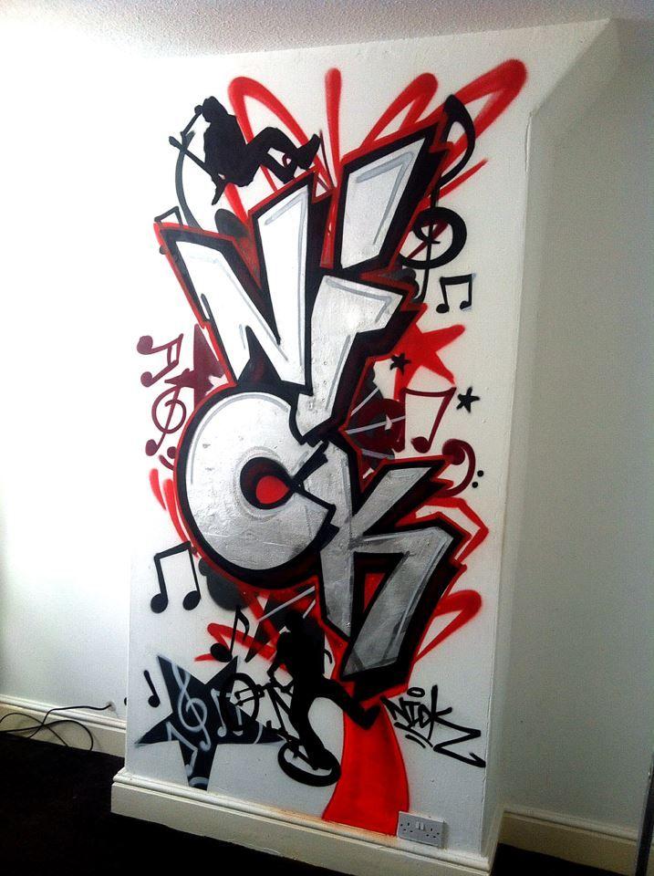 children / teen / Kids Bedroom Graffiti mural - hand painted Nick Chimney Detail graffiti bedroom design #graffitibedroom #interior design