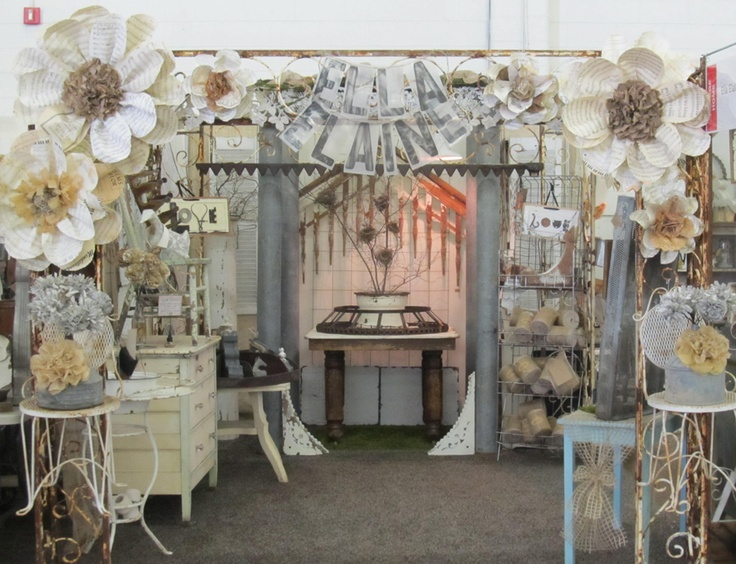 Ella Elaine  Just love her flowers and this booth looks great!