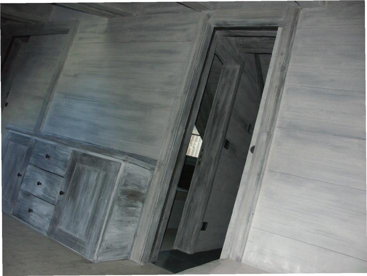 Pareti di legno e mobili sbiancati
