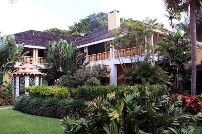 Ein Garten voller Orchideen, Kunst und Kitsch im Bonnet House in Fort Lauderdale, Florida