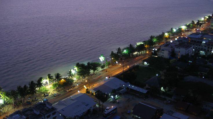 Strand Jomtien by night