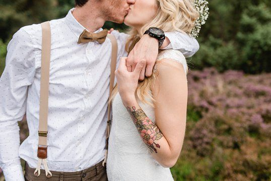 A lovely wedding in the forest with a touch of bohemian