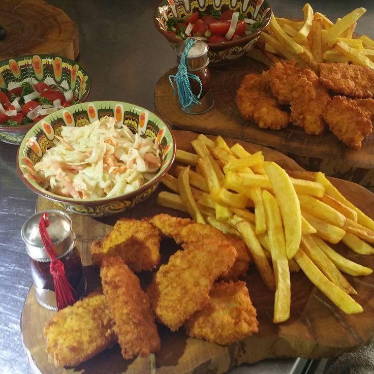 Balli Acılı Agape Sos, Coleslaw ve Çıtır Tavuk... bira yanına. . #food #foodgasm #foodporn #foodlovers #foodpic #agapebrasserie #kochin #agapelife #akyaka #anatolia #worldcuisine #turkishcuisine #turkey #türkei #coleslawsalad http://w3food.com/ipost/1500757515561696868/?code=BTTwwJRDX5k