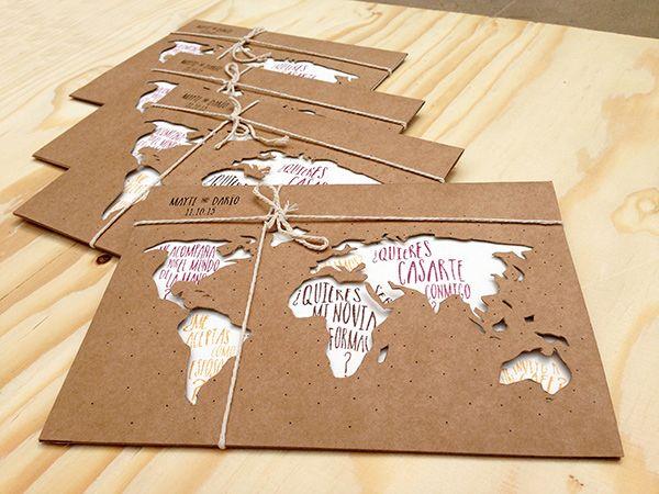 Invitación de boda personalizada hecha a mano en papel kraft