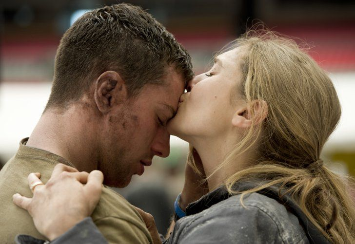 Pin for Later: The Best Movie Kisses of All Time Godzilla Nothing inspires intimacy like a megamonster attack for Aaron Taylor-Johnson and Elizabeth Olsen.
