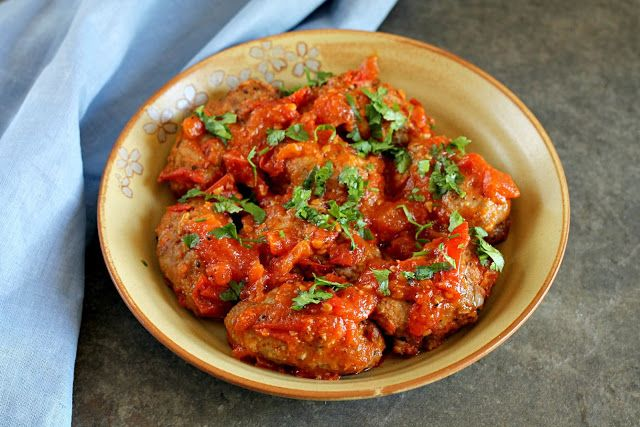 Chocolate & Chillies - Recipes. Reviews. Giveaways.: Soutzoukakia {Greek Meatballs in a Tomato Sauce} {SRC}