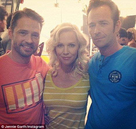 Meet you at the Peach Pit! Beverly Hills, 90210 stars Jennie Garth, Jason Priestley, and Luke Perry reunited for the first time since 1999