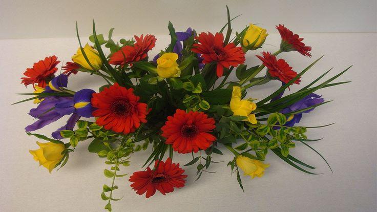 12 best blumengestecke images on pinterest floral arrangements flower arrangement and. Black Bedroom Furniture Sets. Home Design Ideas
