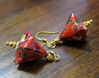 Origami earrings made of Japanese paper