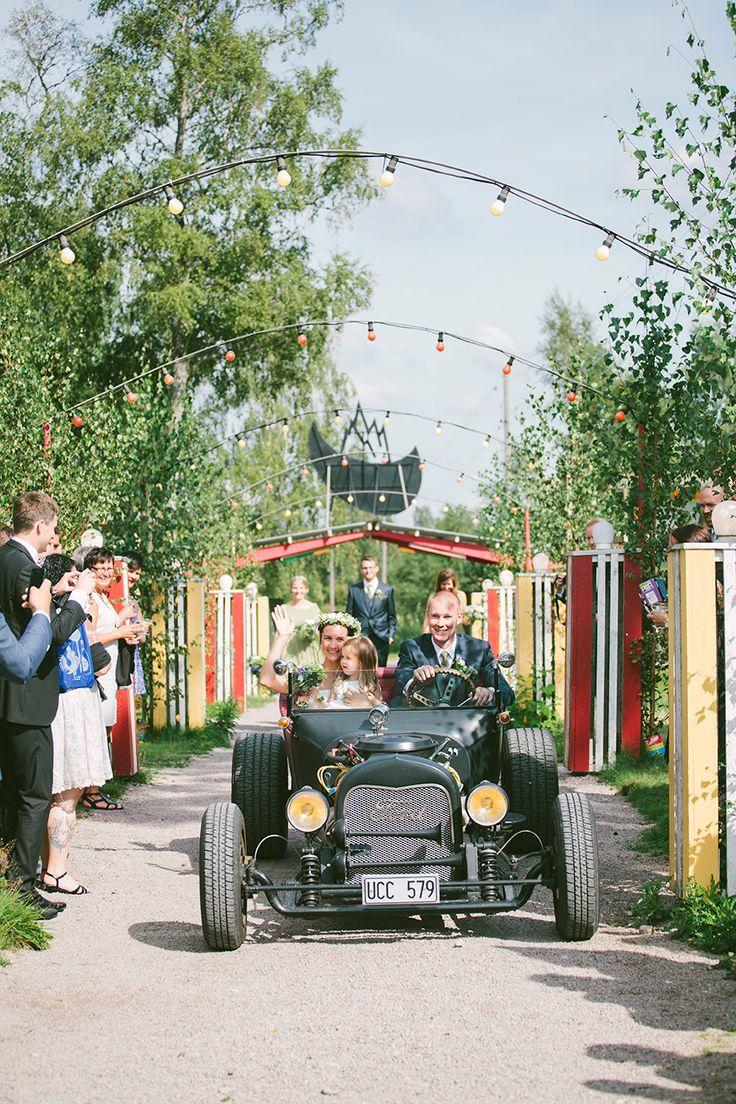 Bröllop på Tyrolen i Alvesta! Swedish, vintage wedding in Småland.   Beatrice Bolmgren Photography: Denmark, Norway, Finland, Destination weddingphotographer