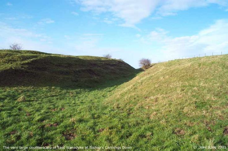 This image shows the very large Large counterscarp, which seems to have been created especially for counterbalancing the unfavorable position (behind the crest) of East Wansdyke at this point...All cannings down